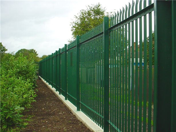 steel_palisade_fencing_concrete_sill